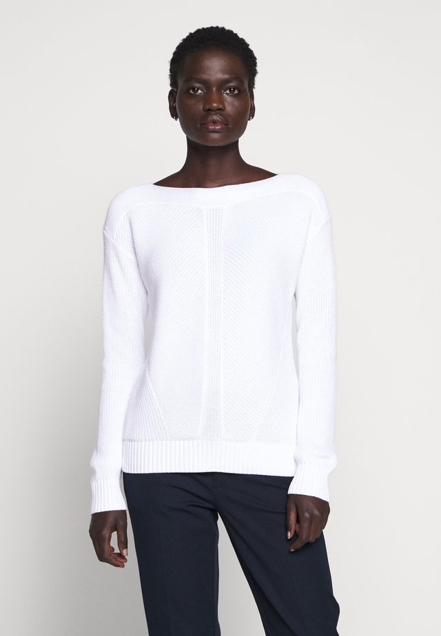 GASSED BOAT NECK - Sweter - white