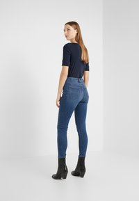 Lauren Ralph Lauren - ULTIMATE ANKLE - Jeans Skinny Fit - harbor wash denim - 2
