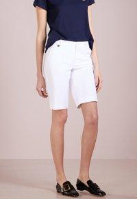 Lauren Ralph Lauren - BERMUDA - Shorts - white - 0