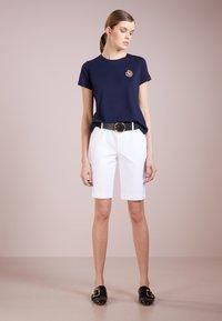 Lauren Ralph Lauren - BERMUDA - Shorts - white - 1