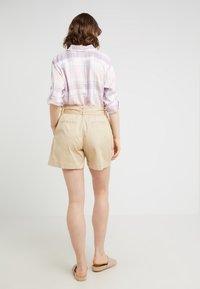 Lauren Ralph Lauren - JOZIANA - Shorts - dune tan - 2