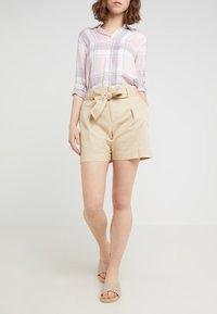 Lauren Ralph Lauren - JOZIANA - Shorts - dune tan - 0