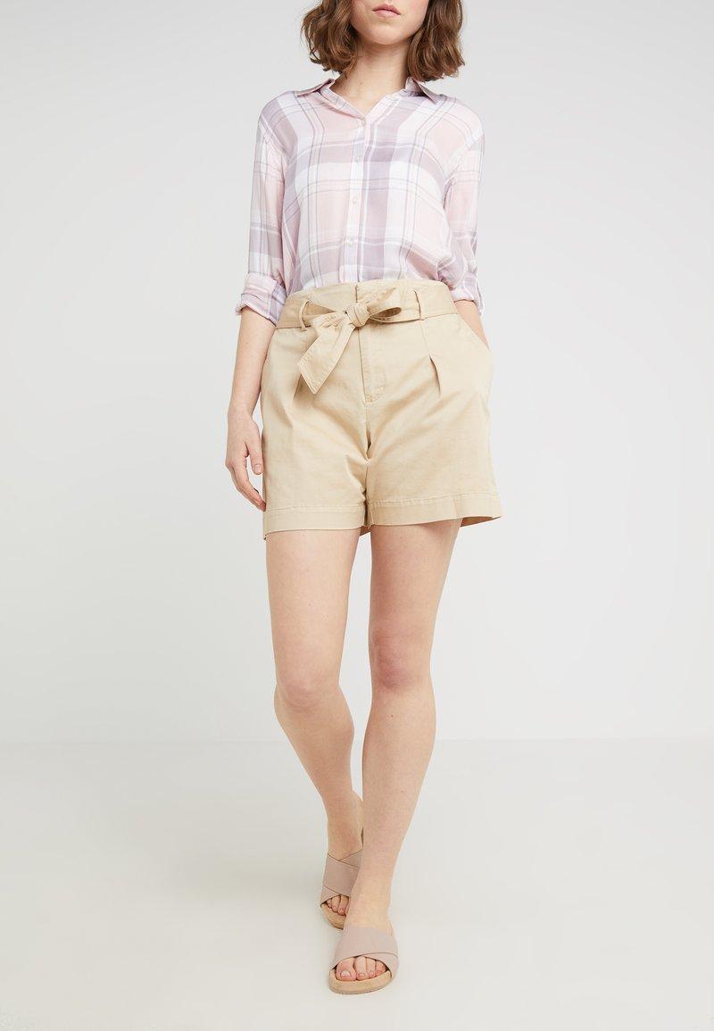 Lauren Ralph Lauren - JOZIANA - Shorts - dune tan