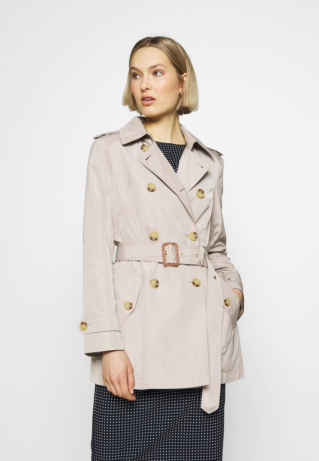 FAUX MEMORY SOFT TAFFETA TRENCH - Trenchcoat - birch