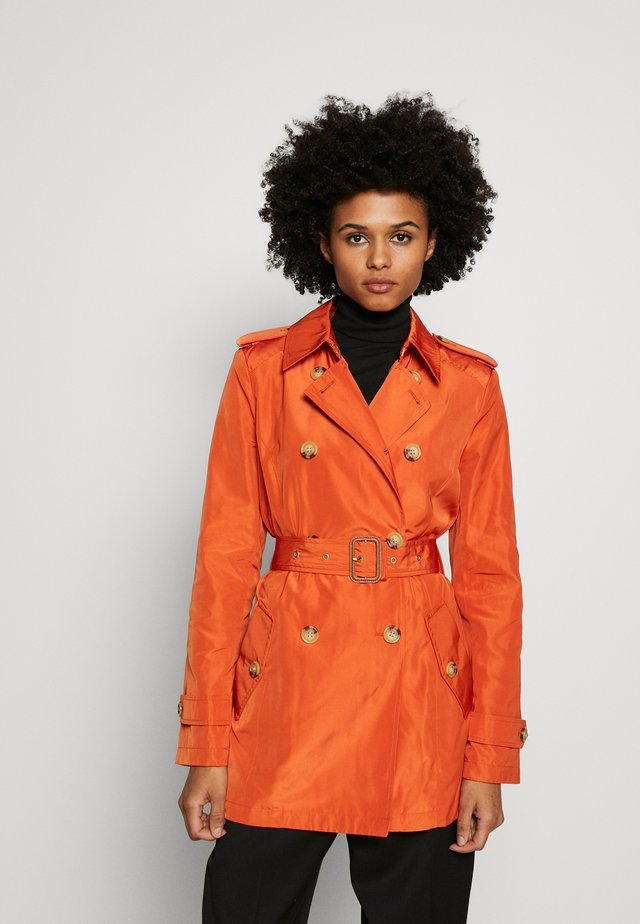 FAUX MEMORY SOFT TAFFETA TRENCH - Trenchcoat - orange spice