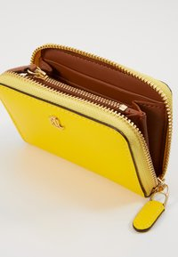 Lauren Ralph Lauren - SUPER SMOOTH ZIP  - Portemonnee - racing yellow - 4