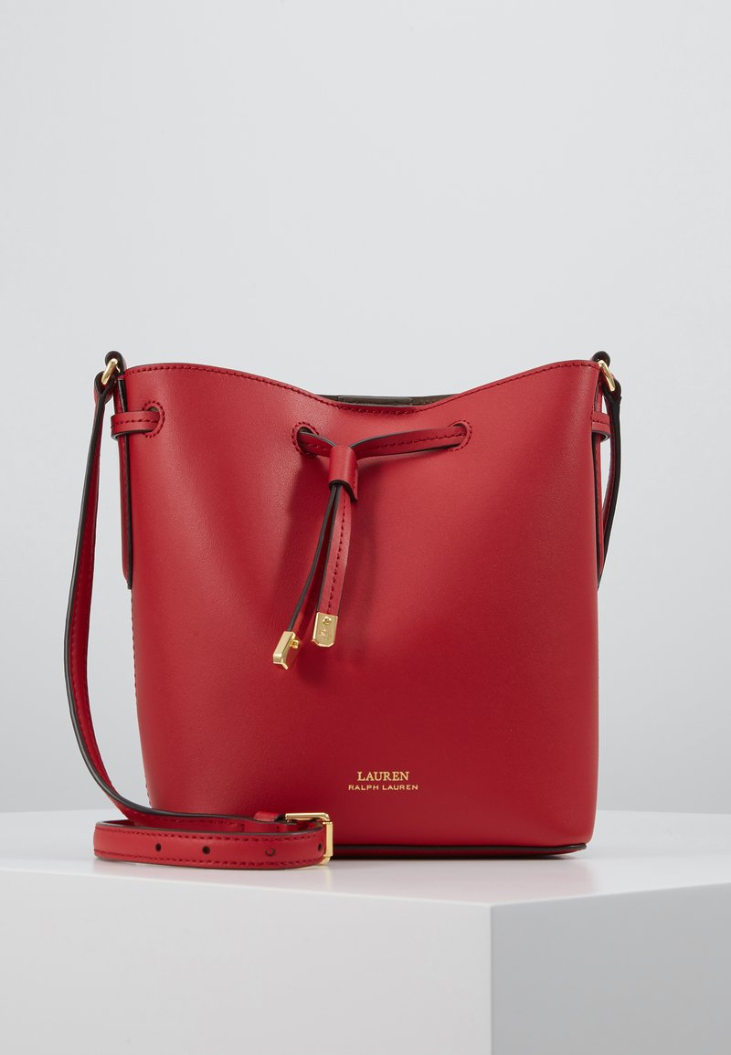 Lauren Ralph Lauren - SUPER SMOOTH DEBBY - Sac bandoulière - red/truffl