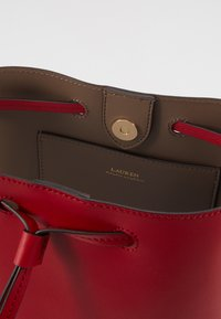 Lauren Ralph Lauren - SUPER SMOOTH DEBBY - Sac bandoulière - red/truffl - 6
