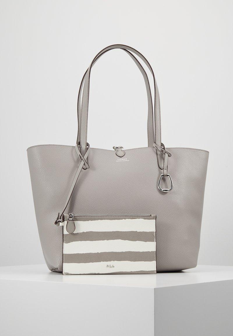 Lauren Ralph Lauren - VEGAN TOTE - Håndtasker - driver grey/paint