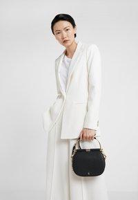 Lauren Ralph Lauren - CLASSIC PEBBLE MASON - Handbag - black - 1