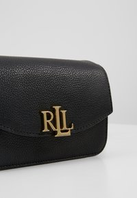 Lauren Ralph Lauren - CLASSIC MADISON - Sac banane - black - 7