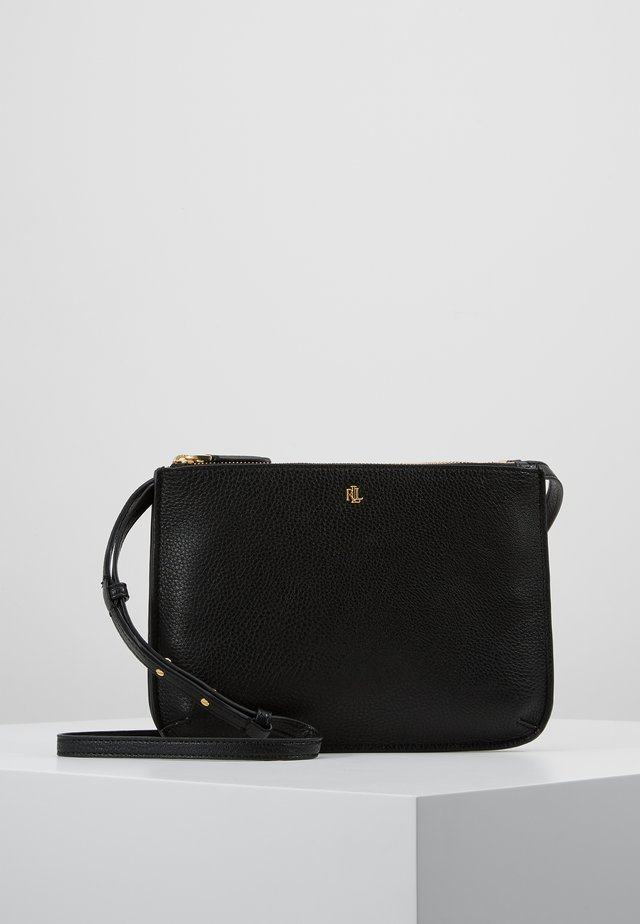 CARTER CROSSBODY MEDIUM - Axelremsväska - black