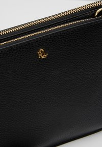 Lauren Ralph Lauren - CARTER CROSSBODY MEDIUM - Schoudertas - black - 6