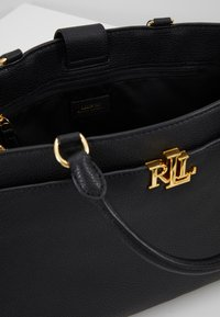 Lauren Ralph Lauren - CLASSIC PEBBLE - Bolso de mano - black - 4