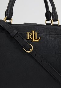 Lauren Ralph Lauren - CLASSIC PEBBLE - Bolso de mano - black - 6