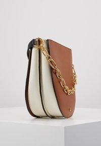 Lauren Ralph Lauren - SUPER SMOOTH SAWYER - Handbag - tan/vanilla - 4