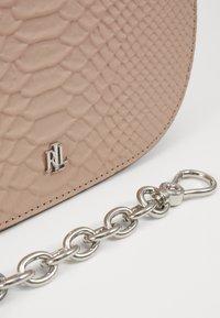 Lauren Ralph Lauren - MATTE PYTHON MASON  - Handbag - mellow pink - 3