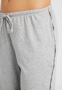 Lauren Ralph Lauren - PLAID TRIMMED NOTCH COLLAR LONG PANT SET - Pyžamová sada - grey heather - 5