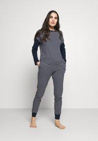 Lauren Ralph Lauren - SCOOP JOGGER PANT SET - Pyjamas - navy - 0