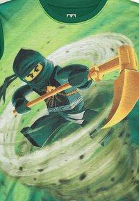 LEGO Wear - Triko spotiskem - dark green - 3