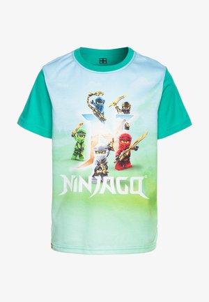 T-shirt z nadrukiem - green melange