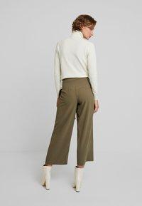 Louche - RICO - Spodnie materiałowe - khaki - 3