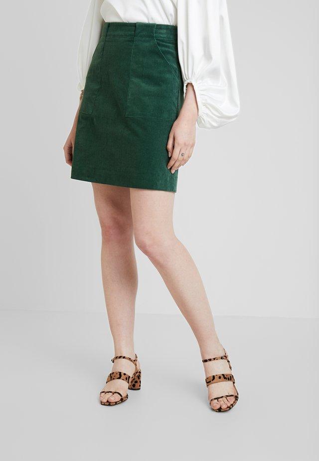 KRIS - Áčková sukně - green