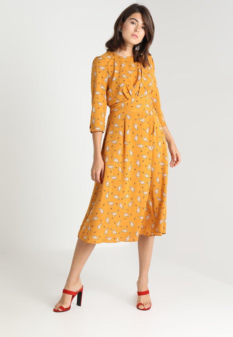 Louche - BIRTE LIAMA - Day dress - yellow