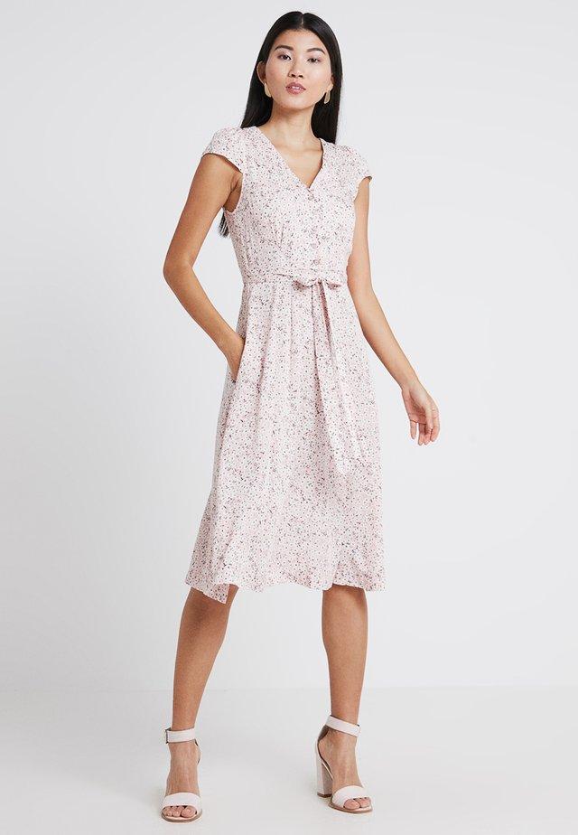 CATHLEEN - Korte jurk - pink