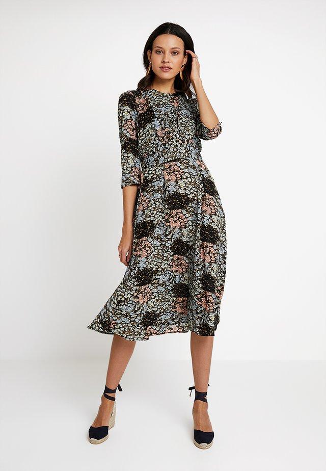 BIRTE BLOOM - Denní šaty - multi