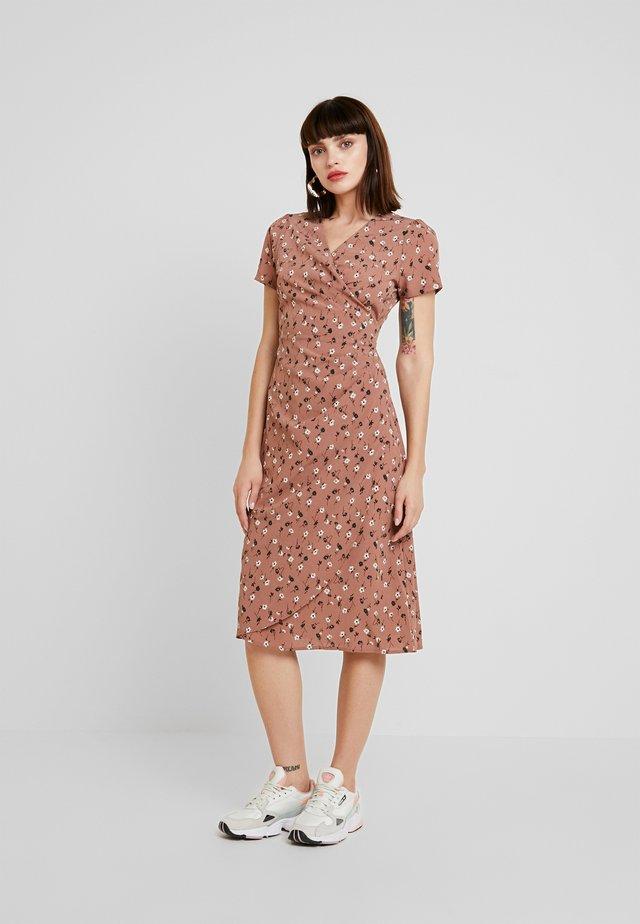 ERINE ANEMONE - Denní šaty - pink