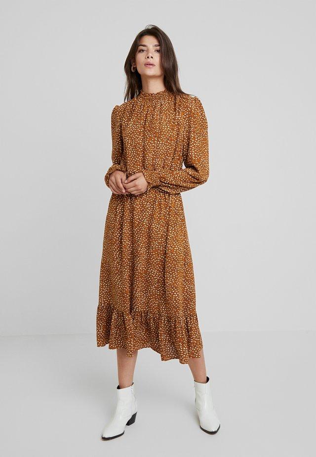 LOI -DOUBLESPOT - Denní šaty - mustard