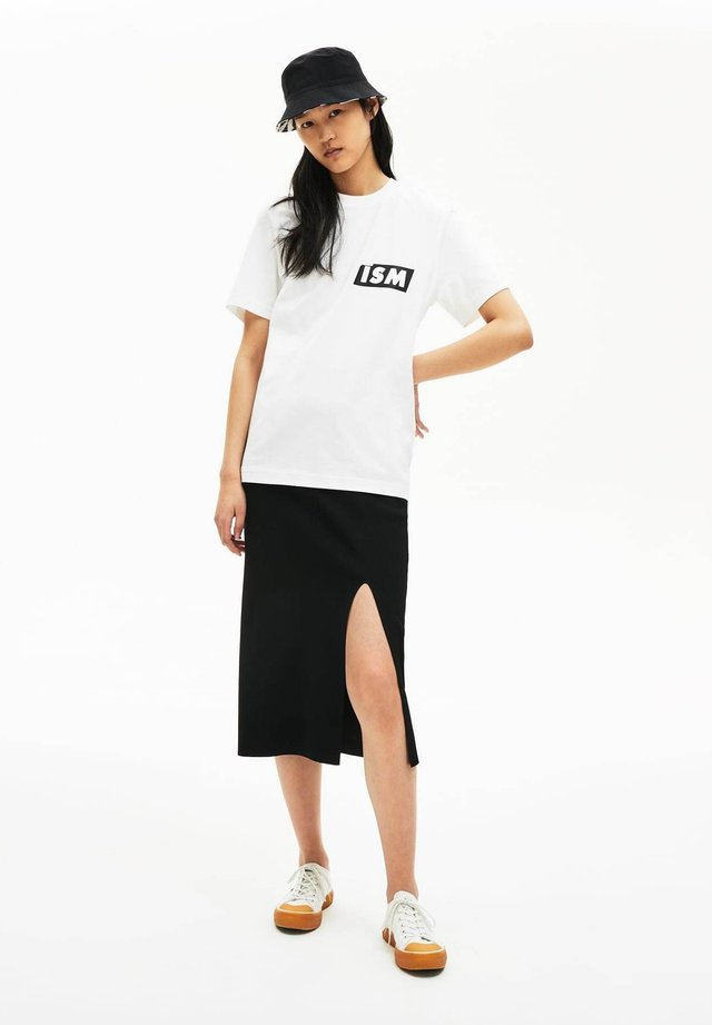 TH4361 - T-shirt imprimé - blanc