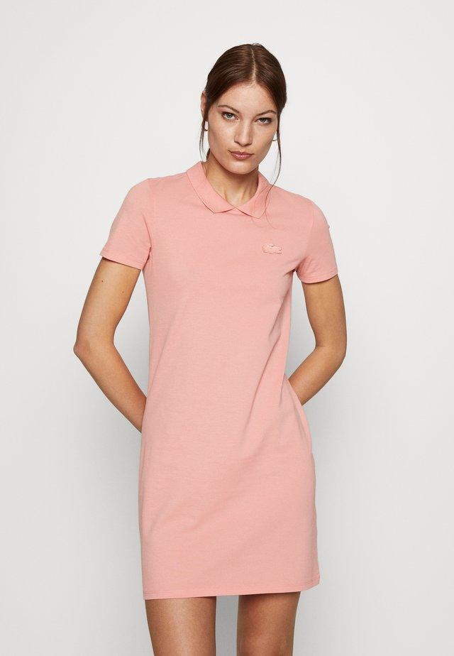 Sukienka letnia - elf pink
