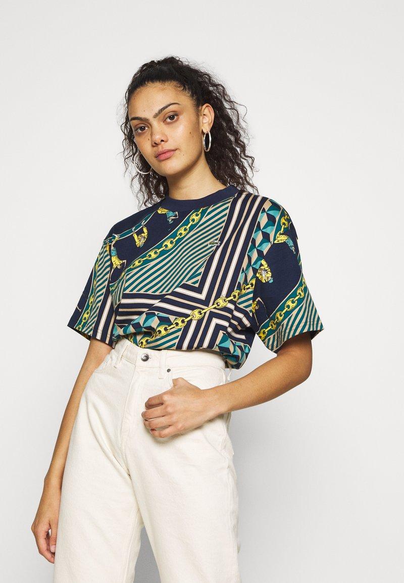 Lacoste LIVE - Print T-shirt - navy blue/multicolor