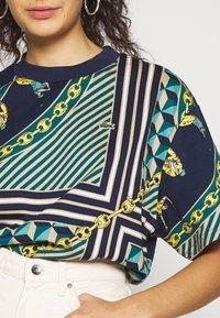 Lacoste LIVE - Print T-shirt - navy blue/multicolor - 4