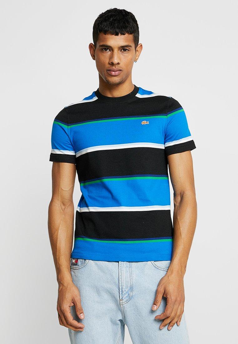 Lacoste LIVE - LACOSTE LIVE X OPENING CEREMONY PRINT T-SHIRT - T-shirt imprimé - noir/multicolor