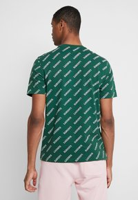 Lacoste LIVE - T-shirts med print - green/white - 2