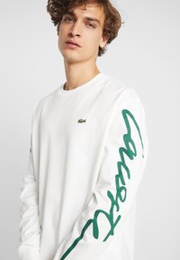 Lacoste LIVE - Long sleeved top - flour/green - 4