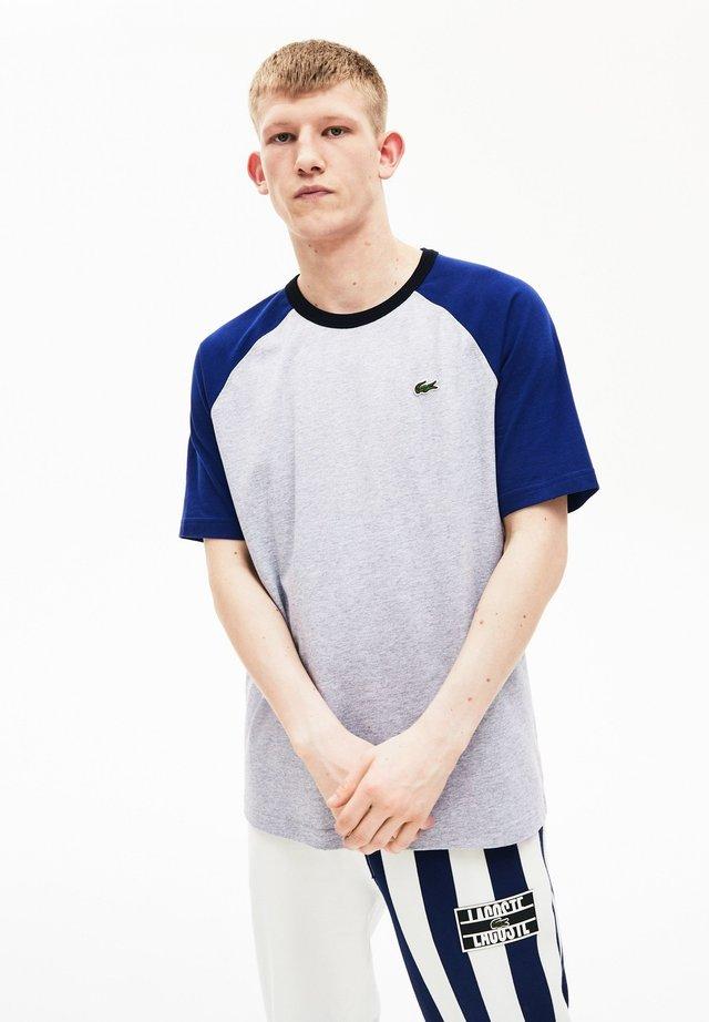 TH6185 - T-Shirt print - gris chine / bleu marine / noir