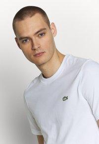 Lacoste LIVE - T-shirt - bas - white - 3