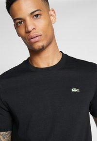 Lacoste LIVE - Basic T-shirt - black - 3