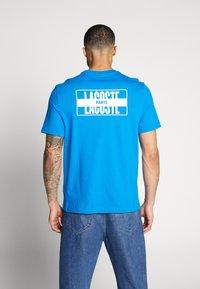 Lacoste LIVE - T-Shirt print - nattier blue/white - 2