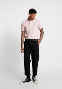 Lacoste LIVE - PH8004 - Polo - lychee - 1
