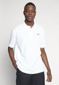 Lacoste LIVE - PH8027-00 - Polo shirt - white - 0