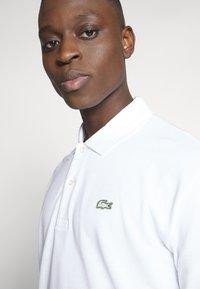 Lacoste LIVE - PH8027-00 - Polo shirt - white - 4