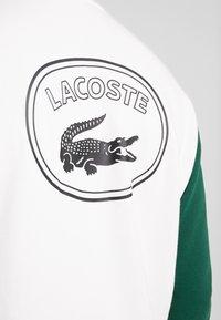 Lacoste LIVE - Hoodie - farine/vert - 5