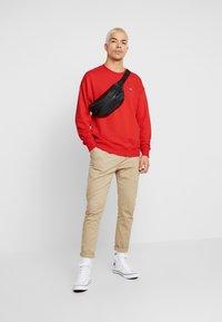 Lacoste LIVE - Sweatshirt - flash red - 1