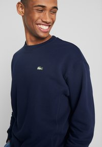 Lacoste LIVE - SH8054-00 - Pullover - navy blue - 4