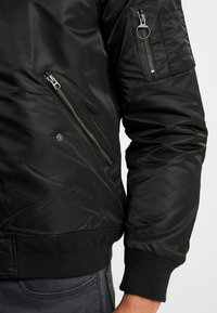 Lacoste LIVE - Bomber Jacket - noir/charon - 5